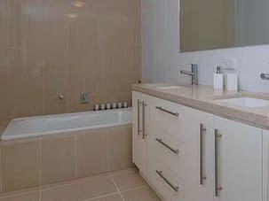Raffles Bath - Aurora Stone