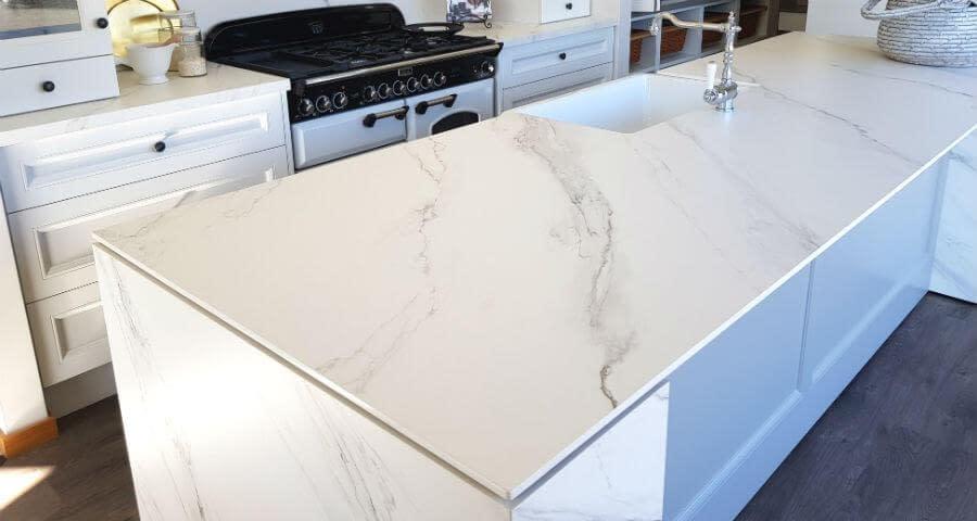 Large slabs for large porcelain benchtops
